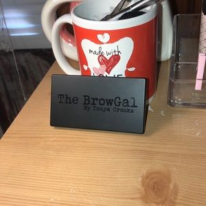 "Amazing eyebrow powder product ""the brow gal"""
